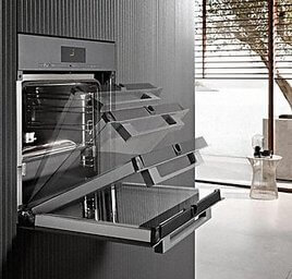 Miele Backofen mit Funktion oft-open und soft-close